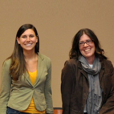 Sarah-Zimmerman-left-former-Communications-Manager-for-Team-Tennessee-meets-with-Amanda-Womac-right-a-previous-Marketing-Coordinator-at-UT-Science-Forum.-375x375 (1)